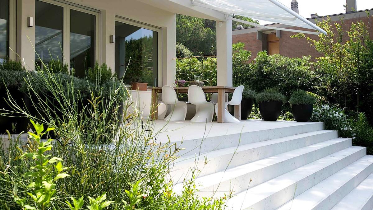 Giardino moderno giardini tipologie e stili paghera for Idee giardino moderno